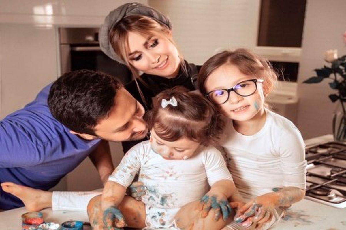 شاهرخ استخری و خانواده اش به بلژیک مهاجرت کردند + تصاویر